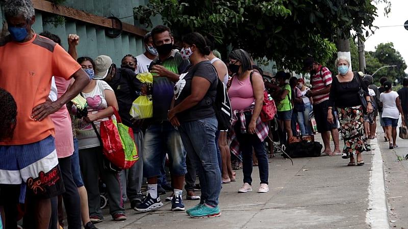 Em 12 meses desde o início da pandemia, o preço dos alimentos subiu em média 15%, quase o triplo da inflação no período - Pedro Stropasolas