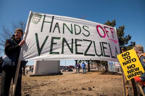 Protesto contra a intervenção dos Estados Unidos na Venezuela, em Minnesota, EUA, 2019 [Fibonacci Blue/Flick]