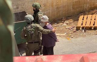 Soldados de Israel detêm residente de Aqraba, perto de Nablus, Cisjordânia ocupada. 04/05/2021 [Divulgação]
