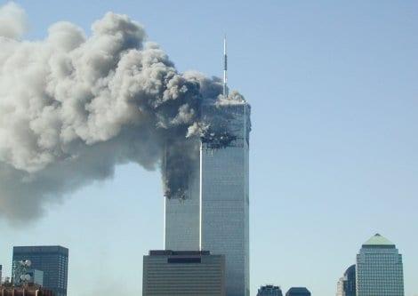 Atentado terrorista contra as torres do World Trade Center, em Nova York, 11 de setembro de 2001 [Fabina Sbina/Hugh Zareasky/Getty Images]