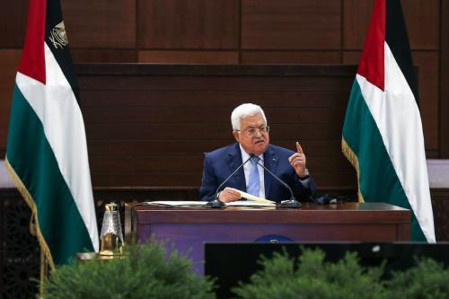 O presidente palestino, Mahmud Abbas, fala em Ramallah, na Cisjordânia, em 3 de setembro de 2020 [Alaa Badarneh/POOL/AFP via Getty Images]