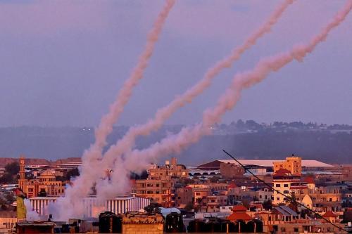 Foguetes são lançados em direção a Israel do sul da Faixa de Gaza, 17 de maio de 2021[AFP]