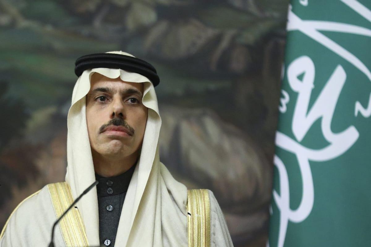 O ministro das Relações Exteriores da Arábia Saudita, Faisal bin Farhan Al-Saud, em Moscou, Rússia, em 14 de janeiro de 2021 [Ministério das Relações Exteriores da Rússia/Agência Anadolu]