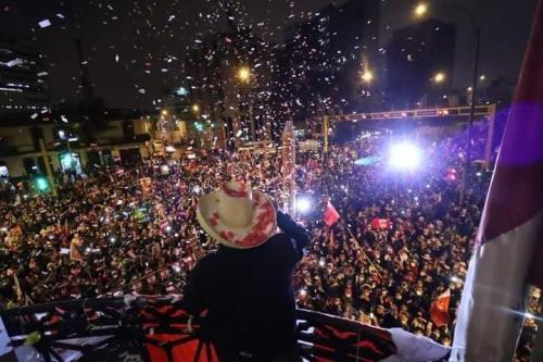 Neste sábado, apoiadores de Pedro Castillo voltarão às ruas do Perú em defesa dos resultados eleitorais. Foto da celebração da vitória [Oficial Pedro Castilo/Facebook]