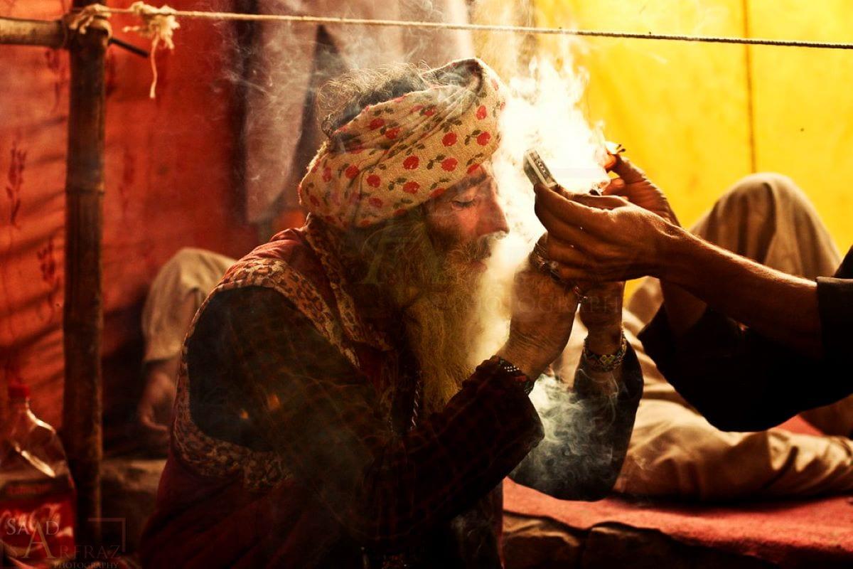 Festival das luzes Mela Chiraghan, feriado de três dias em homenagem ao nascimento do santo sufi Hazrat Shah Hussain, em Laore, Paquistão, dia 28 de março de 2010 [Saad Sarfraz/Flickr]