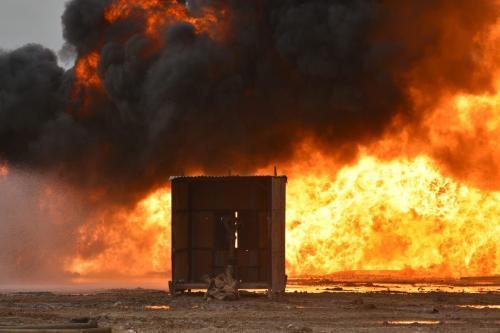 Daesh ataca poços de petróleo no campo de Habbaza, em Kirkuk, Iraque, 15 de dezembro de 2020 [Ali Makram Ghareeb/Agência Anadolu]