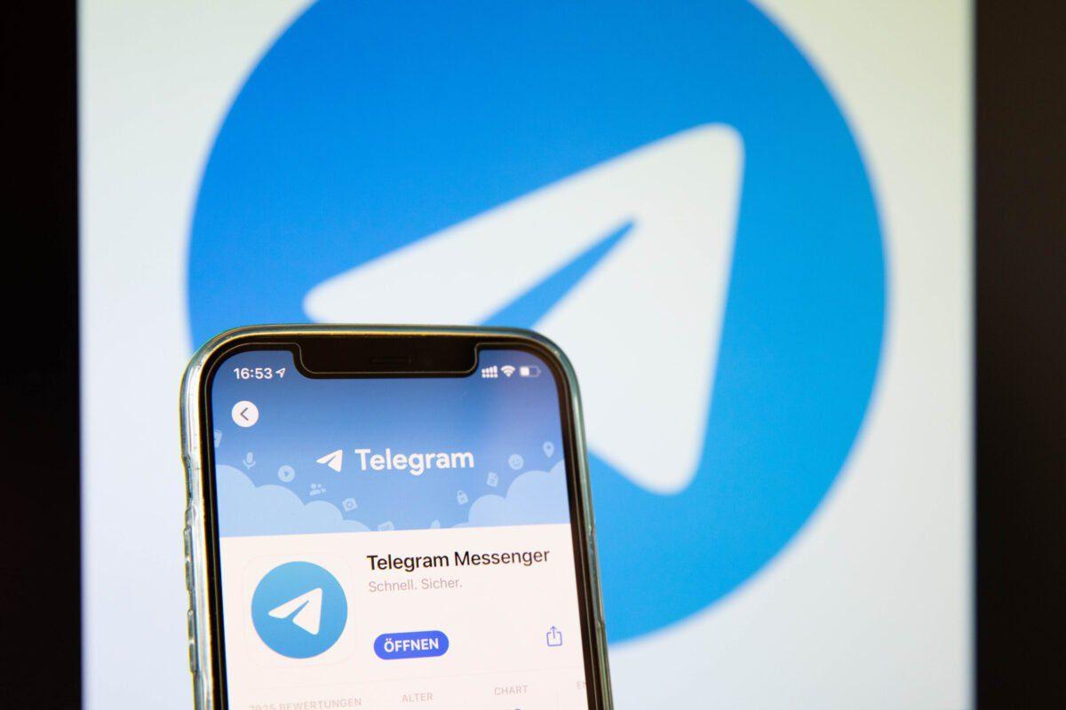 Nesta ilustração de foto, um aplicativo Telegram na IOS App Store, em 03 de maio de 2021, em Bargteheide, Alemanha [Katja Knupper/Die Fotowerft/Getty Images]