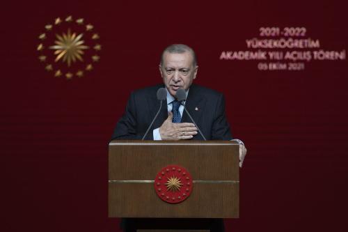 Presidente da Turquia Recep Tayyip Erdogan durante cerimônia de abertura do Ano Acadêmico 2021-2022, no Centro Cultural e Congresso Nacional de Bestepe, em Ancara, Turquia, 5 de outubro de 2021 [Ali Balikçi/Agência Anadolu]