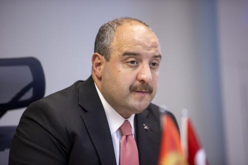 Ministro da Indústria e Tecnologia da Turquia Mustafa Varank em Ancara, 6 de outubro de 2021 [Aytaç Ünal/Agência Anadolu]