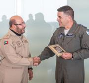 Major-general emiradense faz primeira visita oficial a Israel
