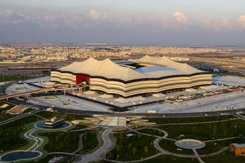 Uma visão geral do Estádio Al Bayt, em 19 de dezembro de 2019, na cidade de Al Khor, Catar [Marcio Machado/Eurasia Sport Images/Getty Images]