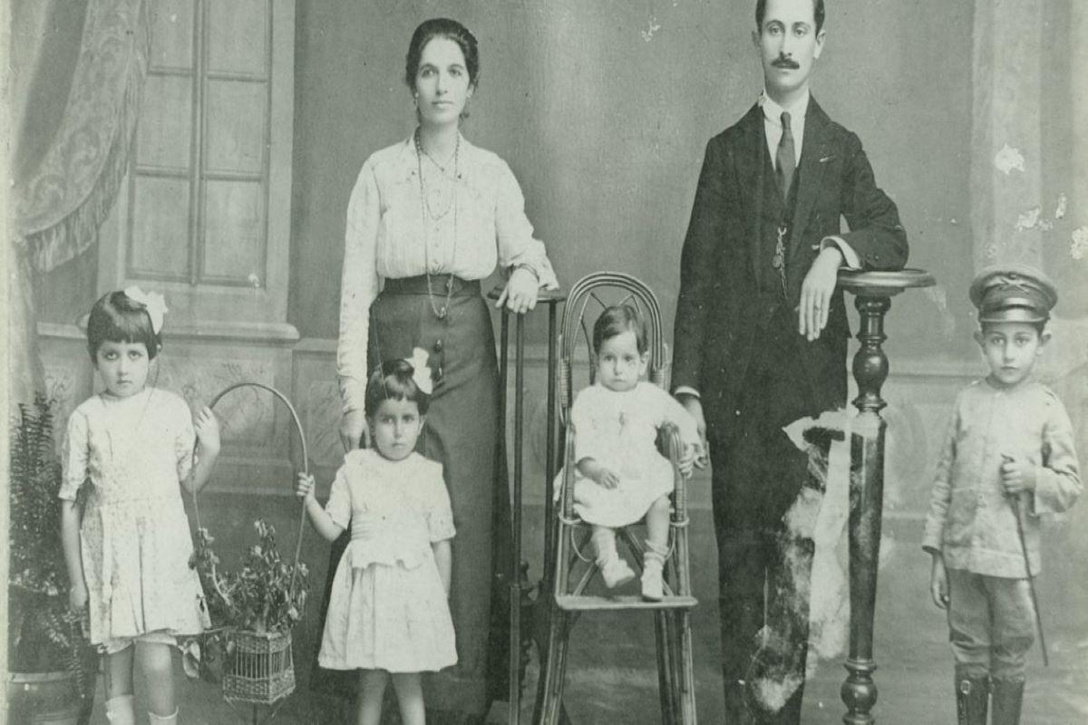 Família libanesa imigrante no Brasil [Acervo do Museu da Imigração]