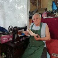 Nea Nicușor Ani, un cizmar foarte bun care lucrează în Vatra Dornei