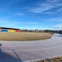 VIDEO. O bază sportivă modernă cu teren de fotbal și pistă de atletism a fost inaugurată la Poiana Stampei