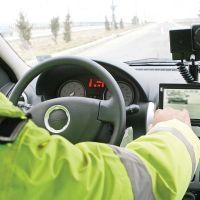 Dosar penal pentru un bărbat beat care conducea cu o viteză de 122 km/h, la Dorna Candrenilor