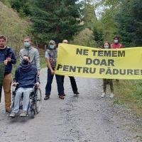 VIDEO. Protest în comuna Panaci, după ce agresorii celor trei jurnaliști și activiști de mediu au fost puși în libertate