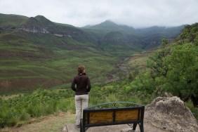 Ganz anders sieht es in den Drakensbergen aus. Hier regnet es öfter und wir werden entsprechend begrüsst.