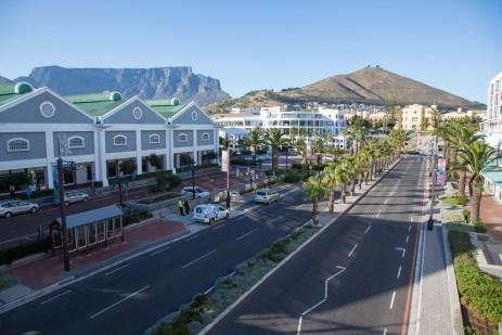 Stadtansicht mit Tafelberg und Signal-Hill