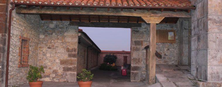 Hospedería del monasterio de Suesa.