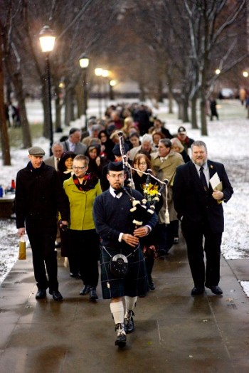 Pittsburgh Bagpiper Sean O'Donnell for weddings, funerals, birthday parties, St. Patrick's Day, and all of your special events.