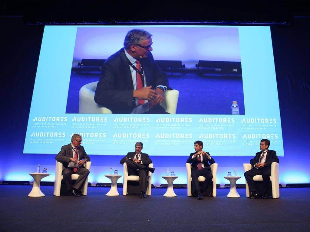 charla coloquio sobre escenario del Palacio de congresos del Greco