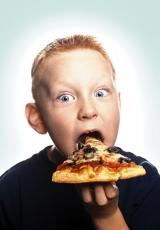 boy-pizza