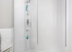 Bedruthan holiday home shower room