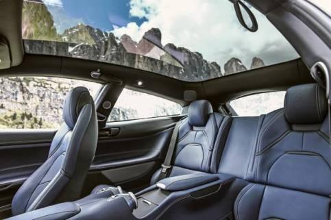 Precio techo solar que nos permitirá disfrutar aún más de un Ferrari como este.