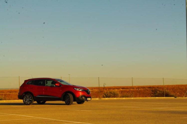 El comportamiento del coche es bueno, con una dirección algo blanda pero en ningún momento peligrosa