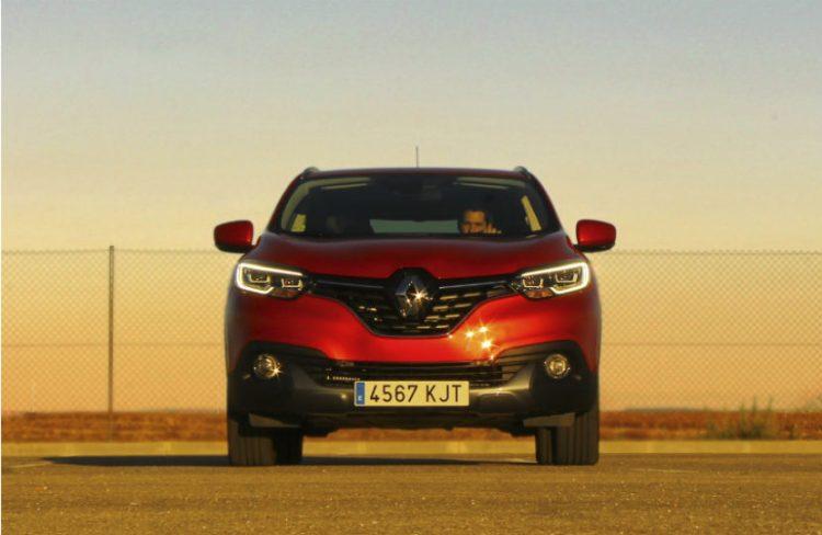 El frontal del Kadjar está presidido por el gran rombo de Renault
