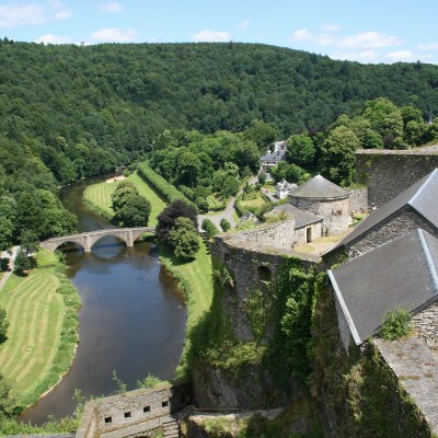 0_Bouillon_-_Château-fort_et_pont_sur_la_Semois_(1)