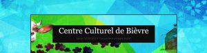 Jeu de couleur bleue et verte de la page d'accueil du centre culturel de Bièvre