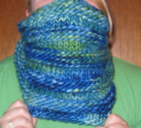 Moebius cowl pattern: knit 4 rows, purl 4 rows