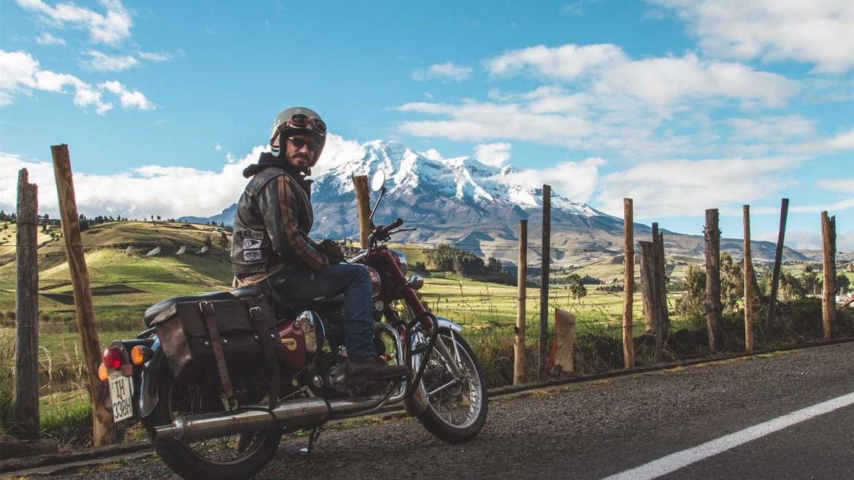 volcan equateur à moto