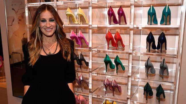 H Σάρα Τζέσικα Πάρκερ με την συλλογή παπουτσιών της