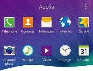 Parcourez les différentes applications du téléphone en faisant défiler les écrans de la gauche vers la droite ou inversement