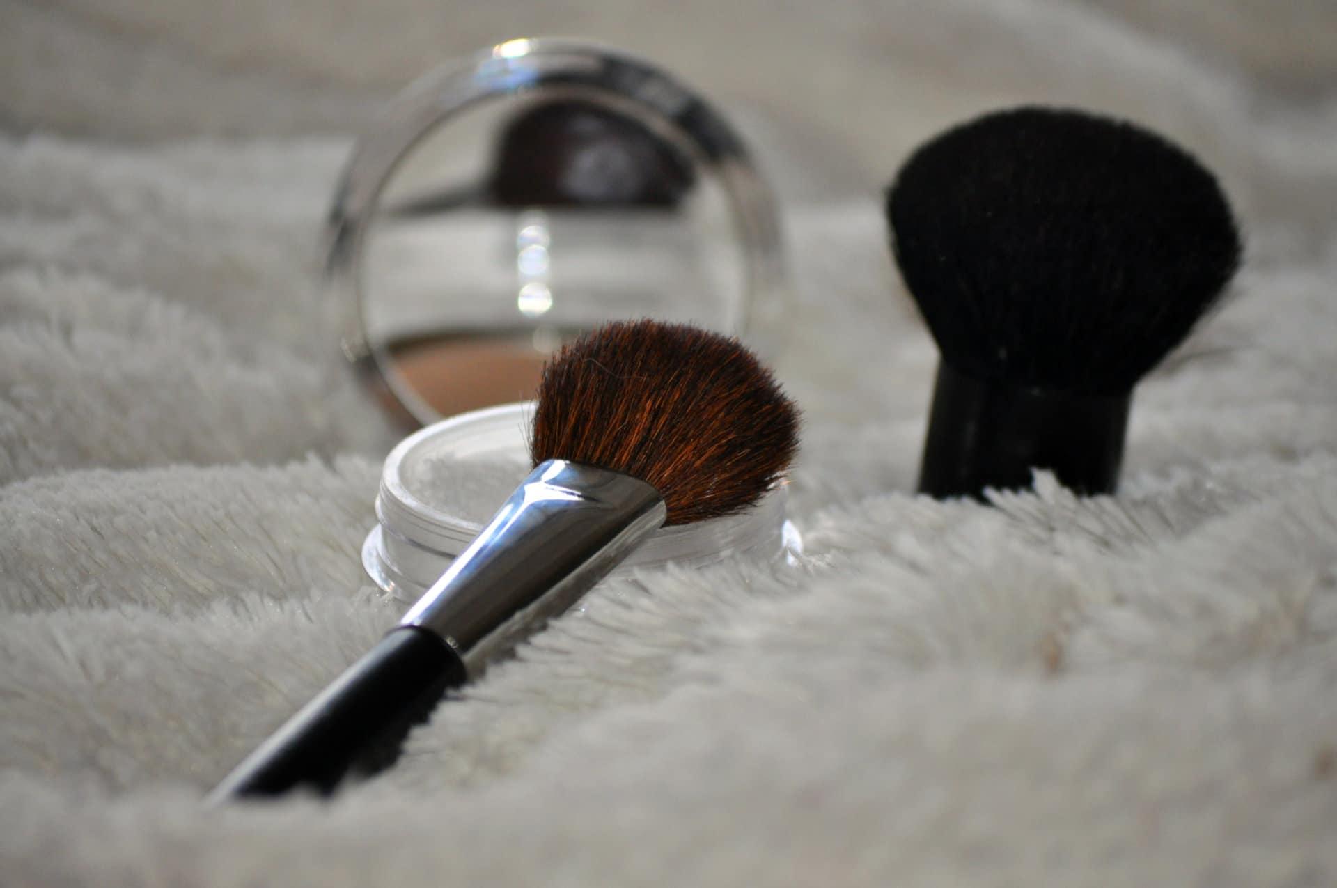 Les poudes libres - Base du maquillage - Mon peau de crème