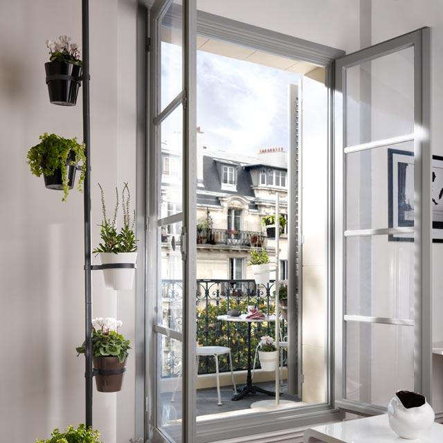 un salon sur votre petit balcon