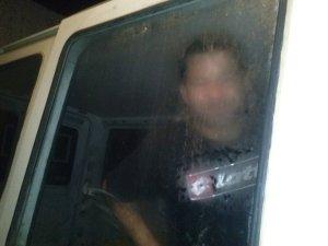 Homme enfermé dans mon camion
