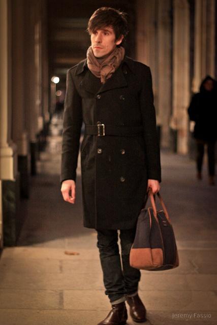 trench-coat laine noir avec bottines