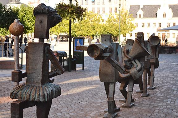 Afbeelding fanfare van bronzen beelden