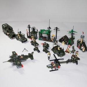 Camp militaire - 1281 pièces
