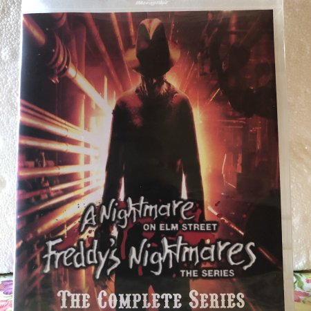A Nightmare on Elm Street The Series Freddy's Nightmares The Complete Series 2 Seasons with 44 Episodes on 6 Blu-ray Discs in 720p HD
