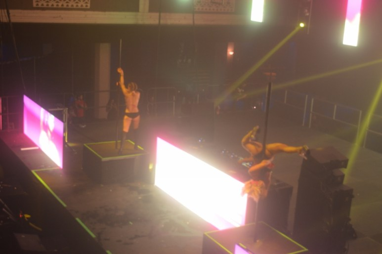dancers doing pole stuff
