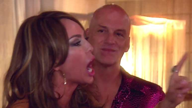 """Kelly lays into Shannon at her 70s party, calling her """"f**king dumb"""""""