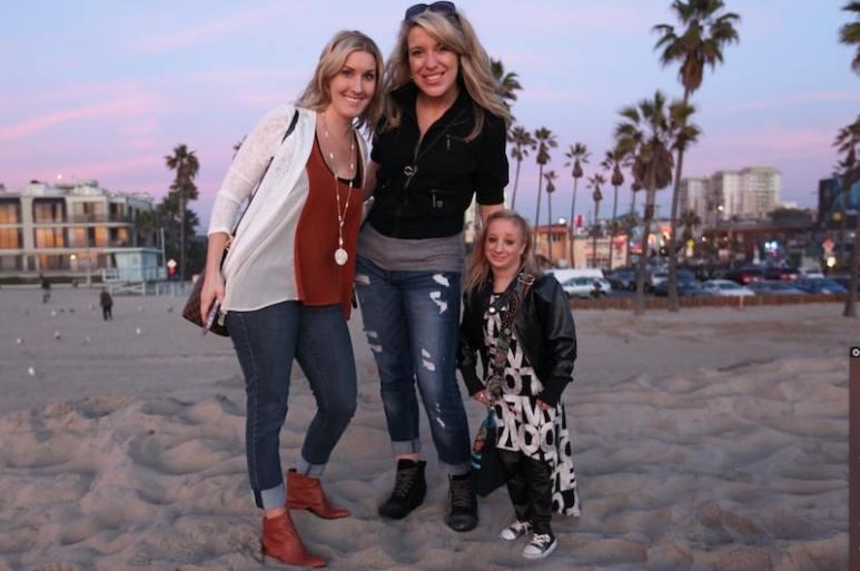 Hannah, Kelly and Bethany Kritzeck at Virginia Beach.