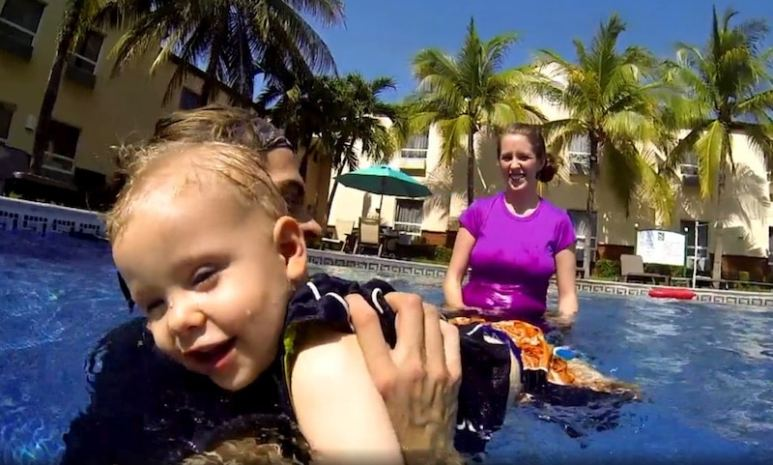 Derick and Jill teaching Israel to swim on tonight's episode of Counting On