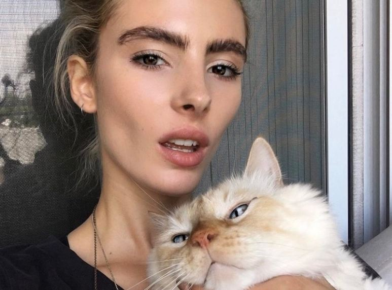 America's Next Top Model contestant Courtney and her pet cat Stringbean