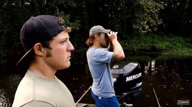 Chase and Holden stalk gator on Swamp People