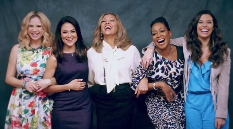 The five main Daytime Divas cast-members posing for the camera